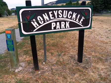 Honeysuckle Park Sign